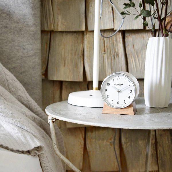 大人気のシンプル置時計